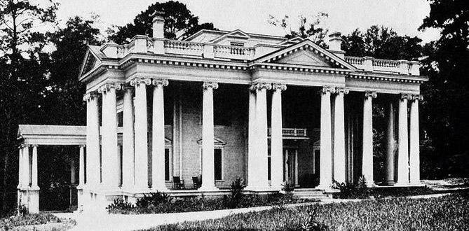 The Florida governor's mansion, 1912. This building was torn down in 1955 because it was structurally unsound and rebuilt on the same site. Source: www.floridagovernorsmansion.com