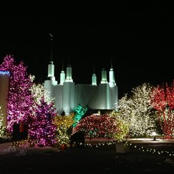Lights display at the Mormon Temple. Source: www.yelp.com