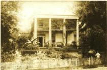 The Bellamy Mansion, which is no longer standing. Source: http://www.exploresouthernhistory.com/bellamybridge.html