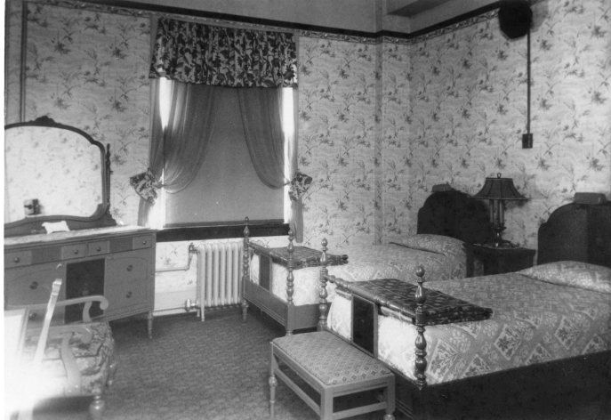 The $1-a-day hotel room in the San Carlos, circa 1913. Source: Pensacola Historical Society