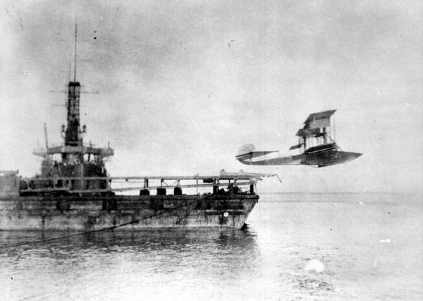 Catapulted Plane, NAS Pensacola, 1915. Source: State Archives of Florida, Florida Memory, https://floridamemory.com/items/show/6943 - See more at: https://www.floridamemory.com/items/show/6943#sthash.IDfF2rqZ.dpuf