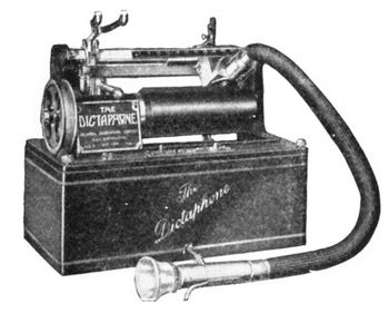 A dictaphone using wax cylinders, hugely popular in 1907. Source: Dictaphone History