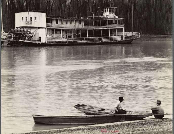 A 1936 pic of the Mississippi River at Vicksburg by Walker Evans. Source: NPR, via the NYPL