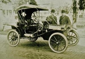 A 1911 Hupmobile. Source: Theoldmotor.com