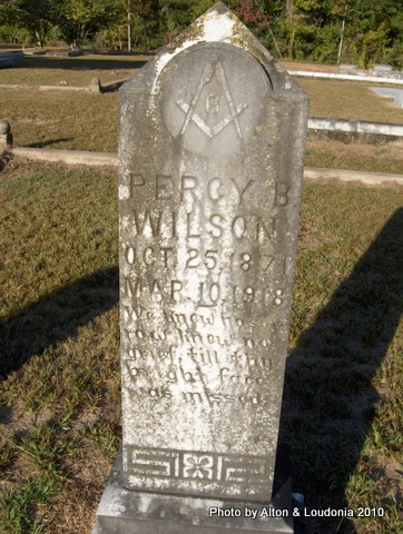 """The quote on the headstone says: """"We knew no sorrow, knew no grief, till that bright face was missed."""" Source: Findagrave.com"""