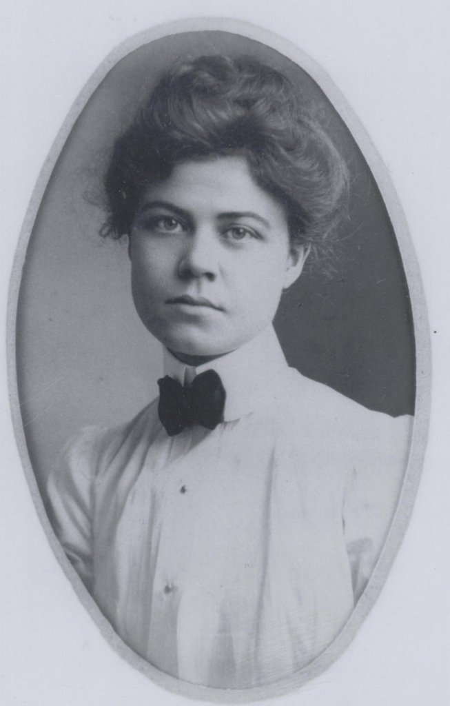 Modeste Hargis, about 1900. Source: womenofhistoricpcola